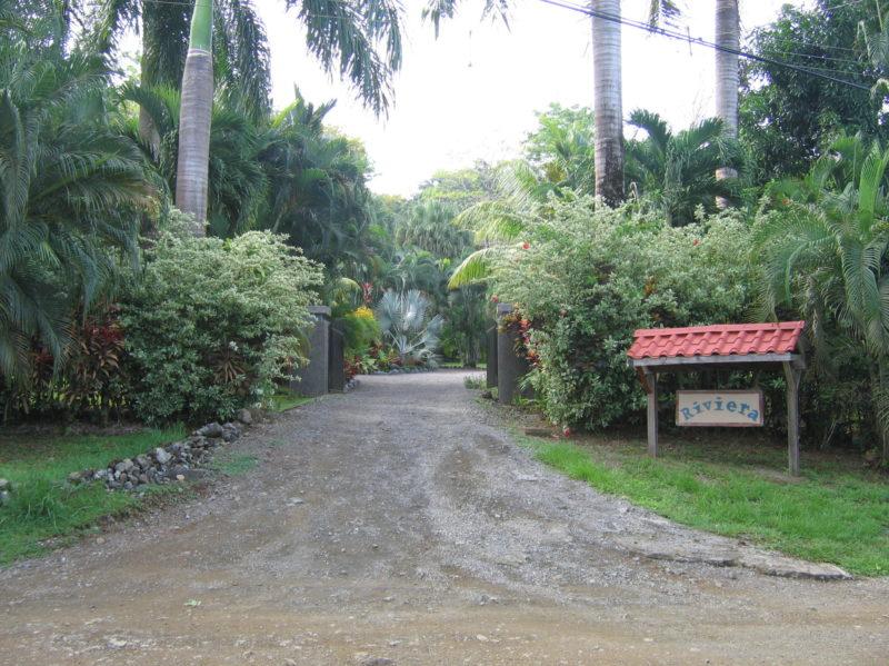 Pavones Riviera entrance