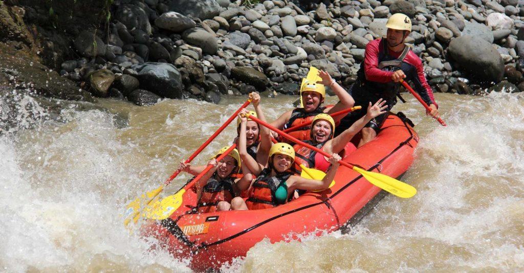 white water rafting Savegre