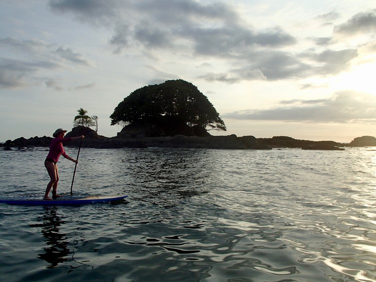 stand up paddle boarding Dominicalito