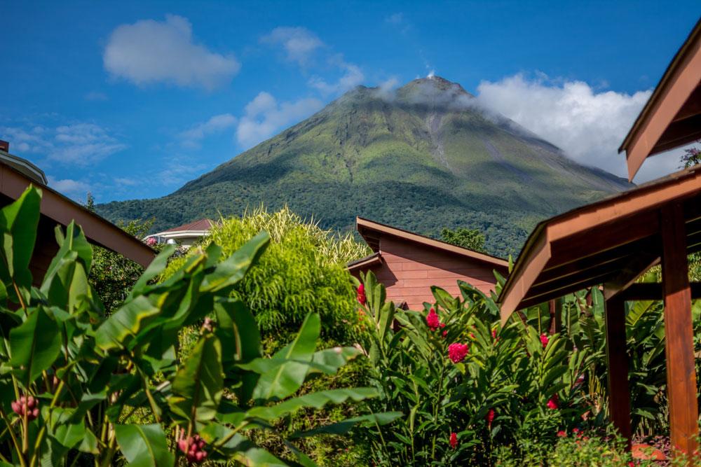 Hotel-El-Silencio-Del-Campo-Vista-Volcan-02