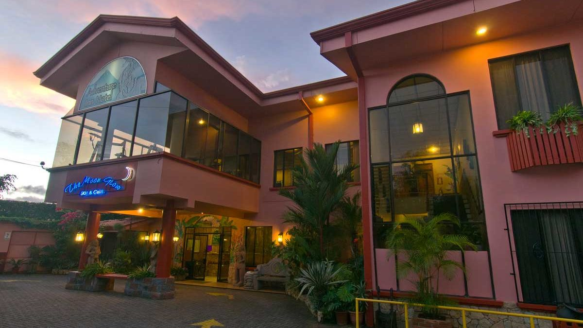 Adventure-Inn-San-Jose-airport-hotel