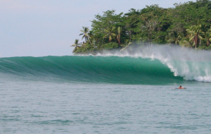 Backwash-Matapalo-surfing