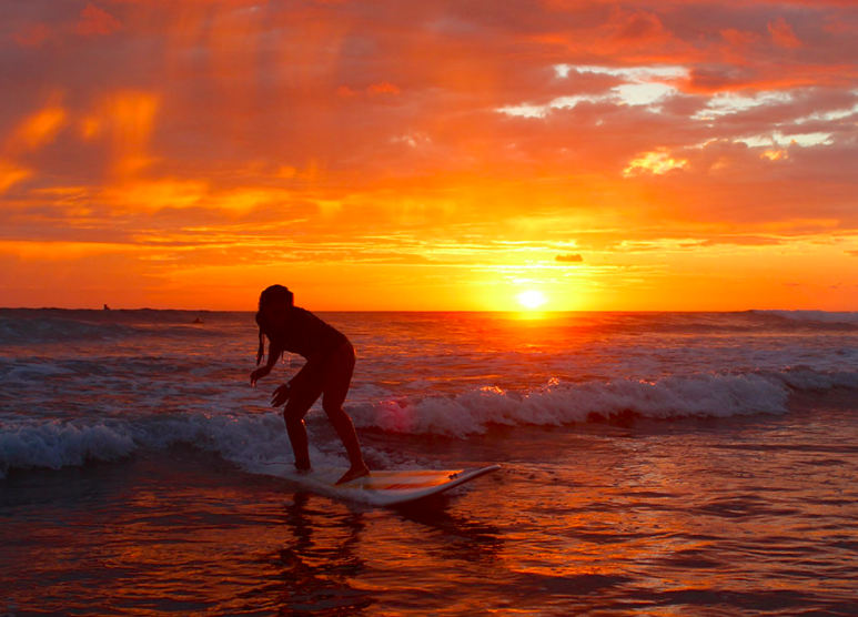 dominical-wave-rider-sunset