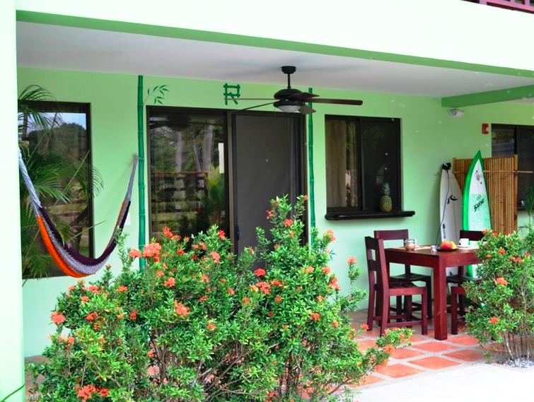 mavi-dominical-outside-hotel