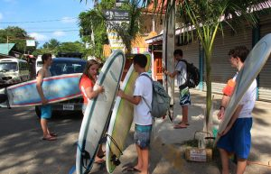dominical-surf-lessons-aec