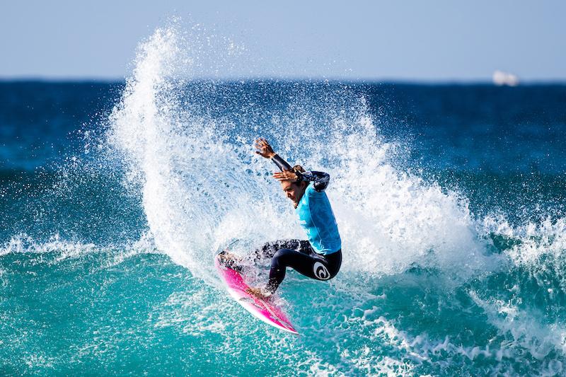Brisa Hennessy - Costa Rica women surfers