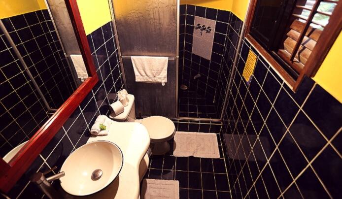 ranchos-itauna-bathroom