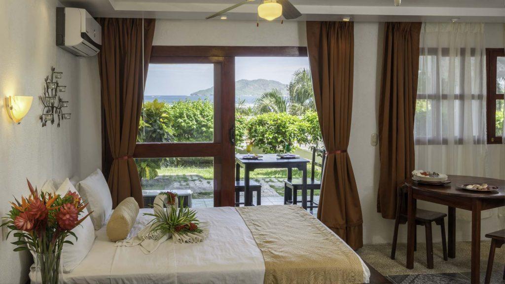 tamarindo-vista-villas-oceanview-superior-room
