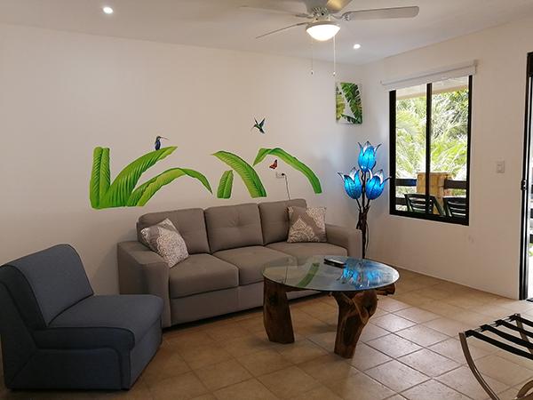 la-sirena-jaco-living-room