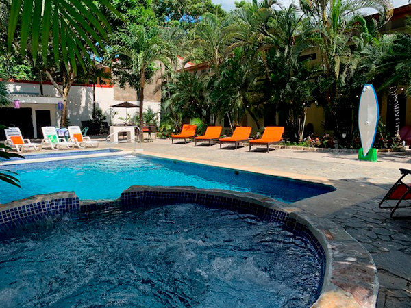 la-sirena-jaco-pool