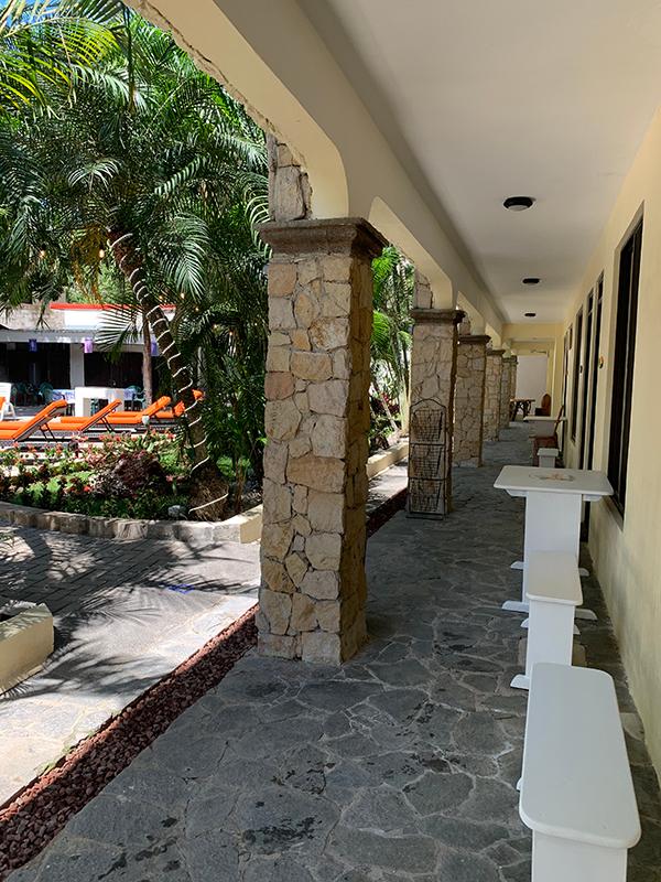 la-sirena-jaco-sidewalk