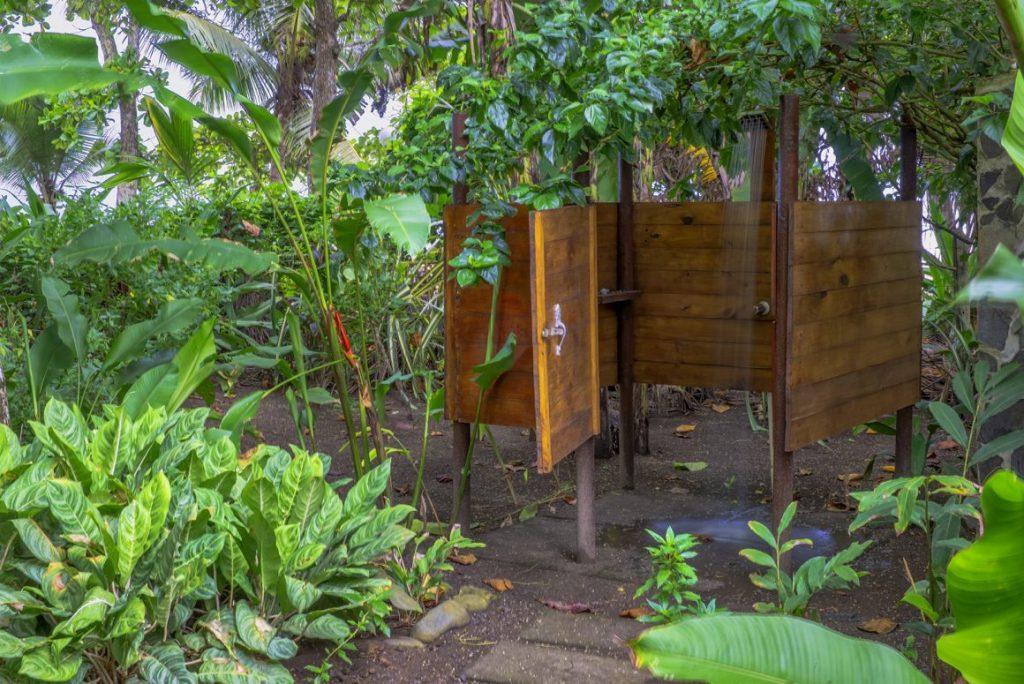 rancho-coral-esterillos-outdoor-shower