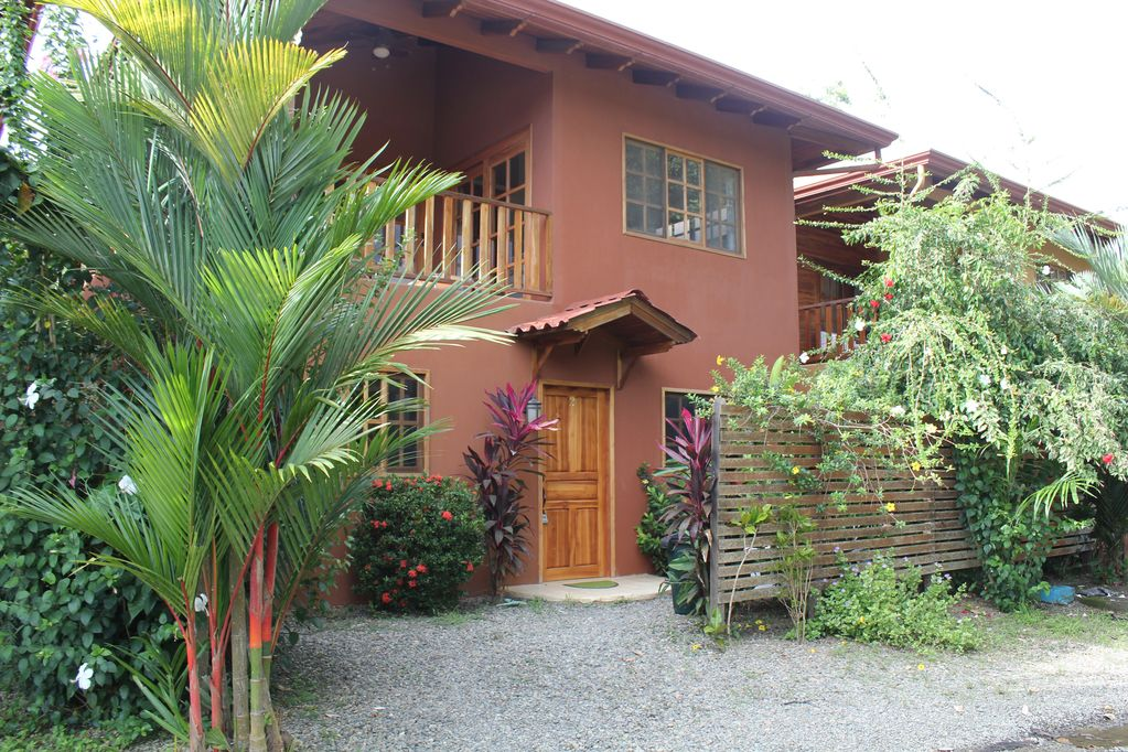 dominical-home-rental-front