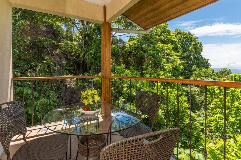 manuel-antonio-house-sophia-patio