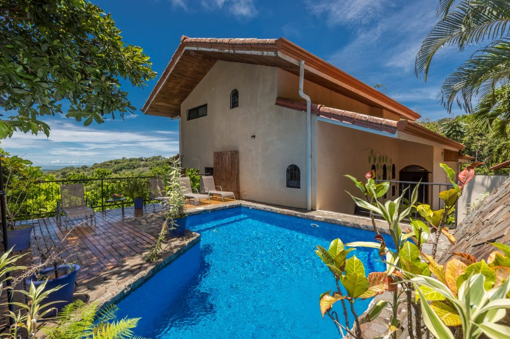 manuel-antonio-house-sophia-pool