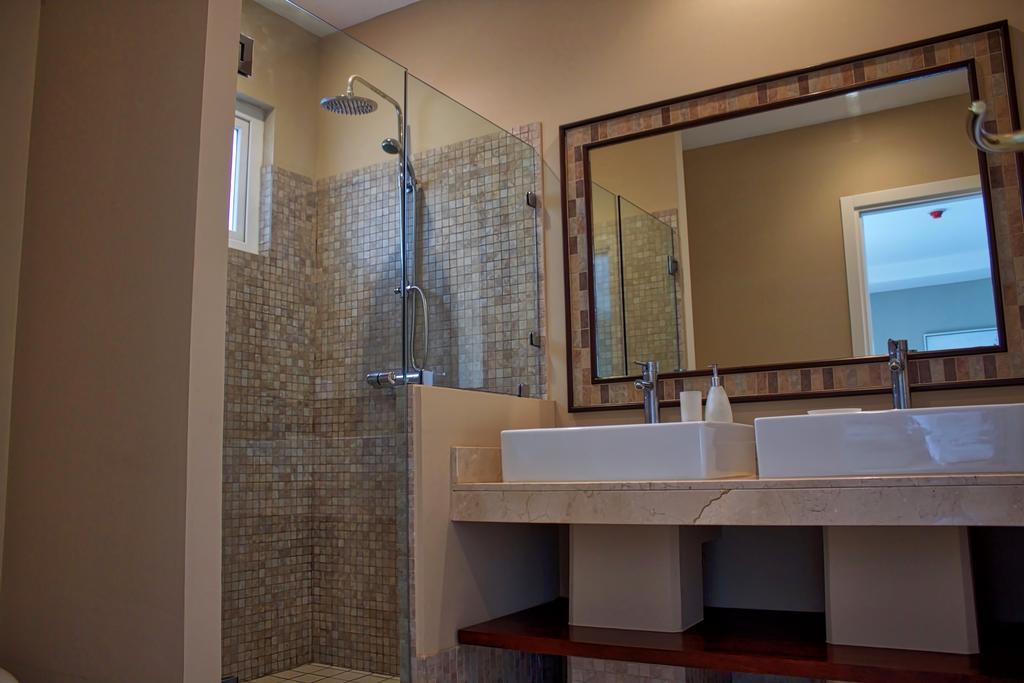tamarindo-casa-tua-bathroom