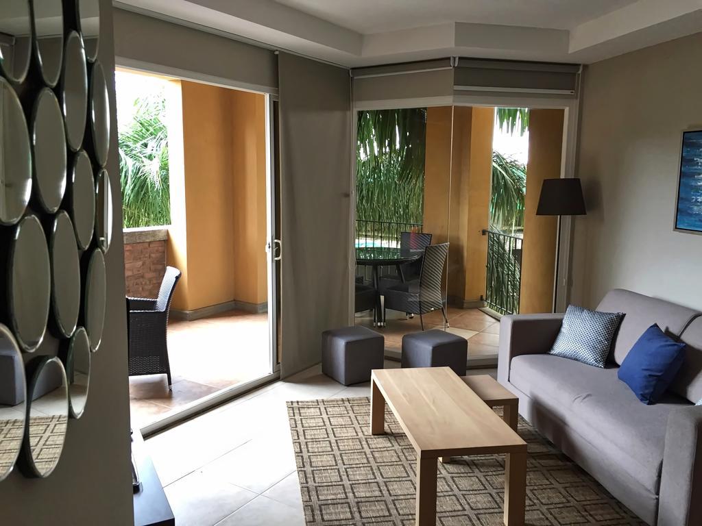 tamarindo-casa-tua-living-room