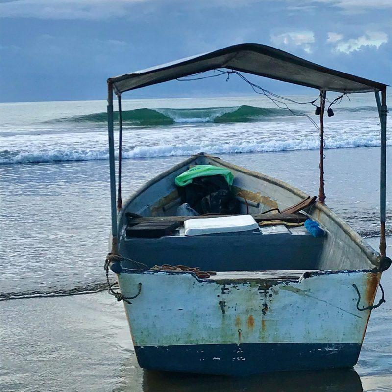 esterillos-surf-report-boat-costa-rica